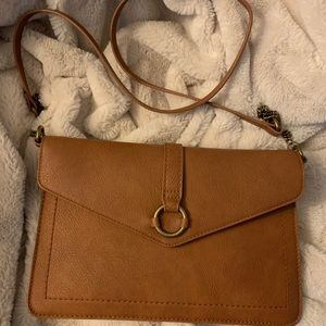 Universal Thread envelope purse with chain strap